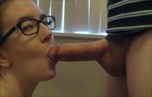Amateur Chick In Glasses Swallows Every Drop